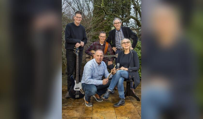 Deborah en haar muzikale vrienden.