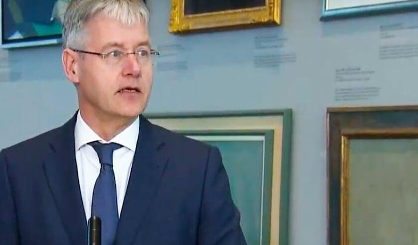 Minister van Onderwijs Arie Slob hintte erop dat de scholen ook na 6 april nog enige tijd dicht zullen blijven.