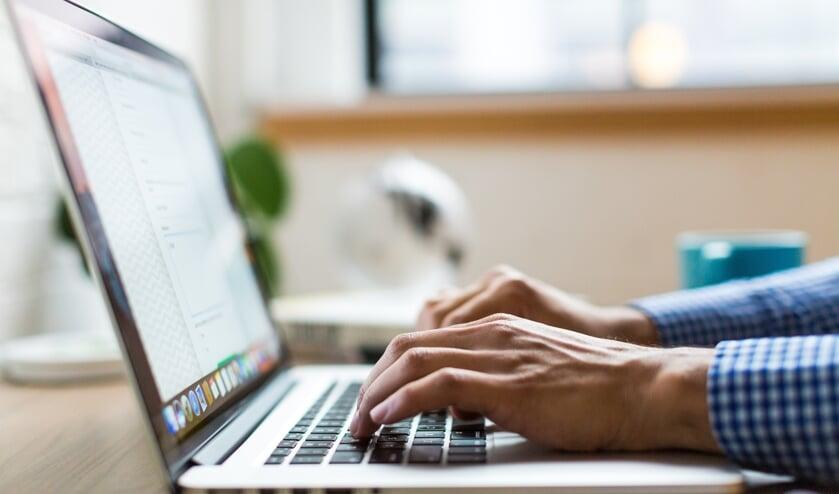 De Waaier vraagt laptops voor leerlingen, ouderen en patiënten