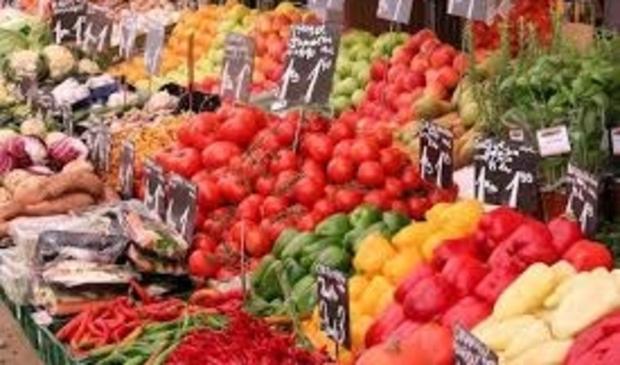 Wie naar de markt wil om verse producten te halen, kan mee met de marktbus.