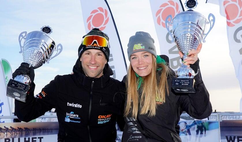 Crispijn Ariëns en Manon Kamminga als trotse winnaars van de KPN Grand Prix. ,,Een prachtige hoofdprijs.'' (Foto's TimsImaging)