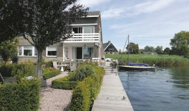 <p>Huis aan het Water.&nbsp;</p>