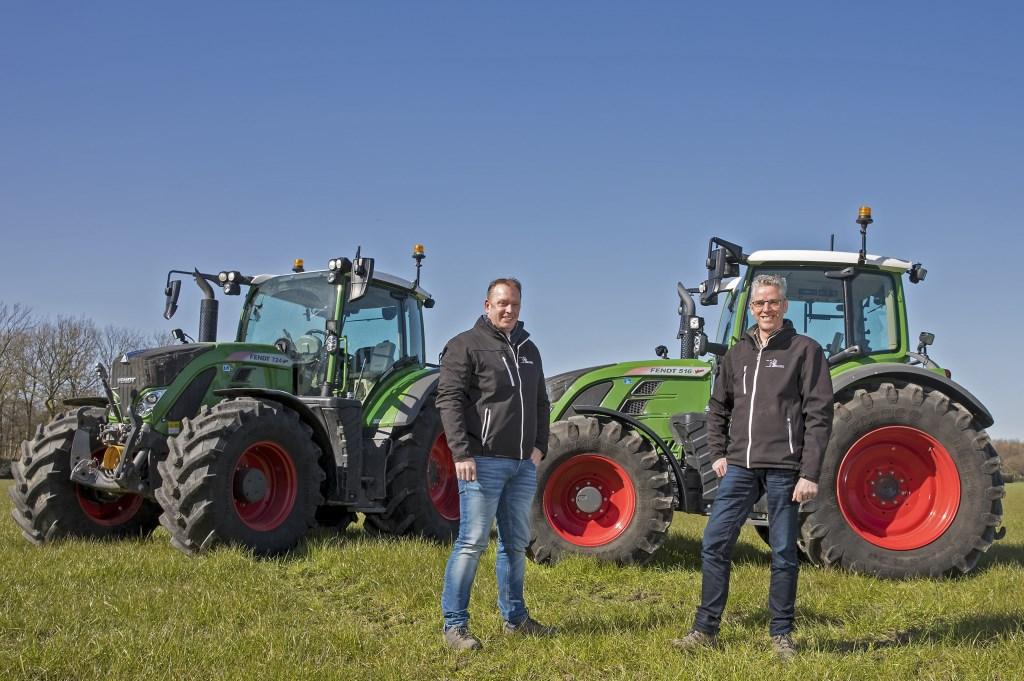 Directeur Jan van der Sluis en Verkoopleider Johan Goudsblom houden de verkoop en het onderhoud van machines voor de agrarische sector draaiende.