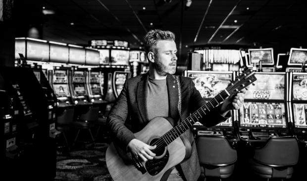 Muzikant Ed Struijlaart zit tien jaar in het vak.
