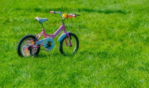 Dingen die kinderen nodig hebben: schoolspullen, fiets, computer etc.