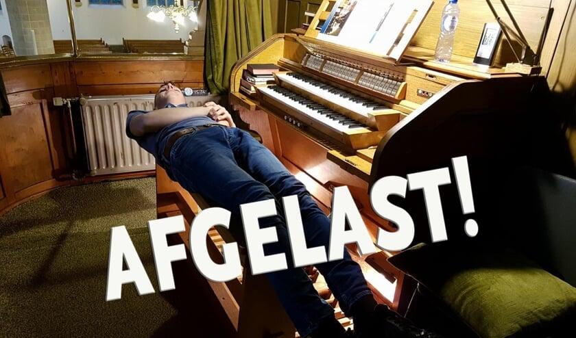 Ook de organist kan uitrusten, zelfs kerkdiensten gaan niet door....