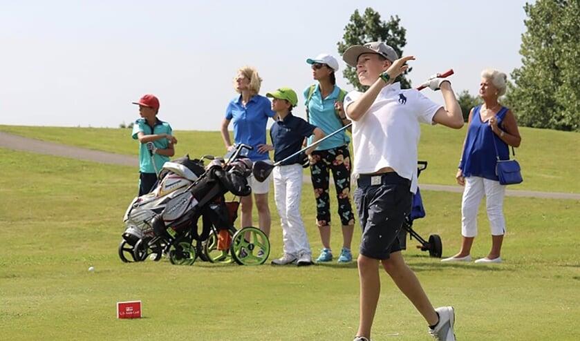 De jongste golfers van Nederland kunnen in het najaar weer deelnemen aan de Dutch Kids Open Golf Tour.