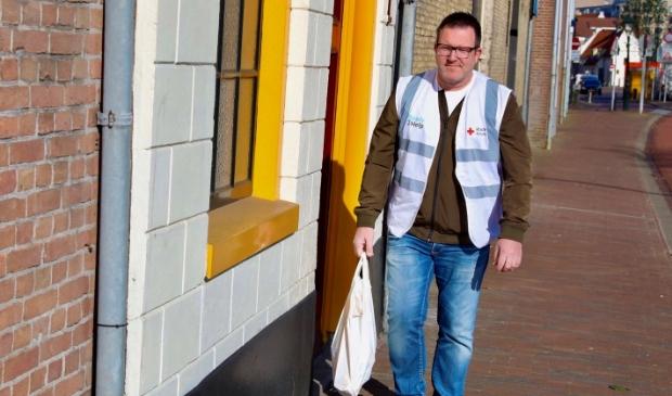 """Rode Kruis-vrijwilliger Albert de Jong: """"Ben blij dat ik een klein steentje kan bijdragen."""