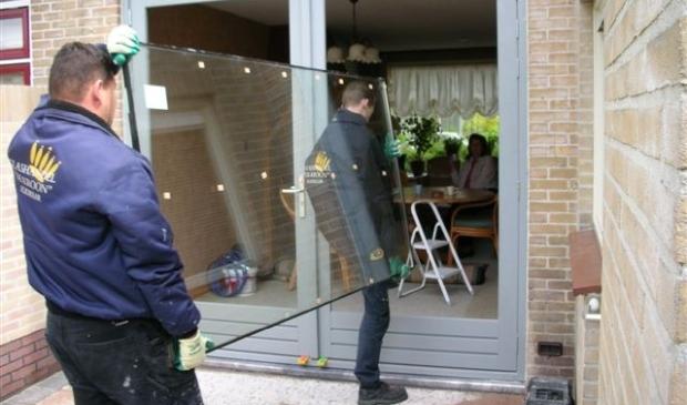 Glashandel De Kroon bedankt haar opdrachtgevers.