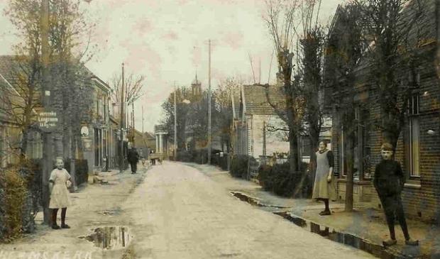 Ansichtkaart uit 1925. De Gerrit van Assendelftstraat voorheen Grintweg of Puinweg geheten.