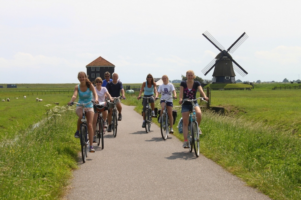 De Etersheimerbraakmolen langs een geliefde fietsroute voor dagejesmensen. (Foto: aangeleverd) © rodi