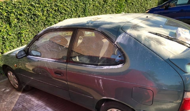 Wanneer je zondagochtend wakker wordt en dit is hoe je je auto aantreft.
