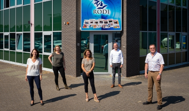 Rachel en Simone van Hayhoe (links) en Nelleke, Jeroen en John van Rodi Media heten de PRO-ondernemers welkom op 4 juni.