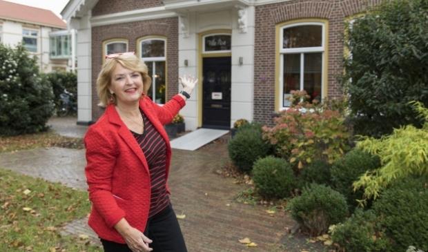 Bezoekers kunnen een afspraak maken voor een één-op-één-gesprek in de villa.