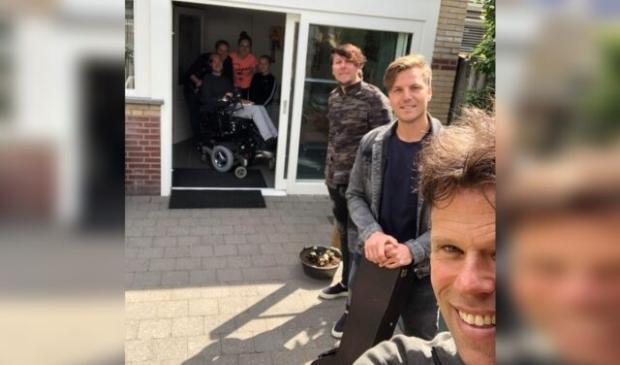 3JS naar Brabant om gesigneerd album 'De aard van het beest' af te geven.