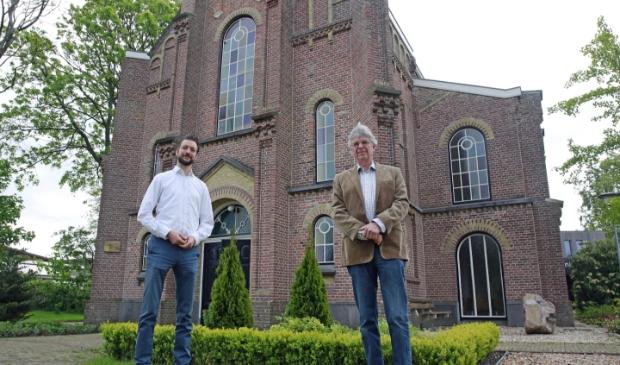 Predikanten Niels Gillebaard (l) en Henco van Capelleveen.
