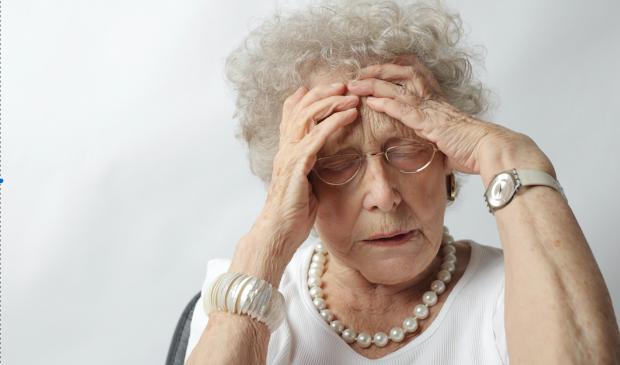 Oudere dame in verzorgingshuis kan komende maand nog steeds niet naar de kapper.