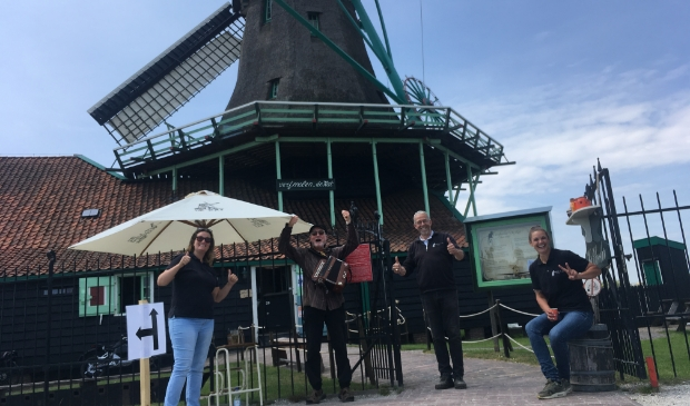 De Zaanse molens gaan weer mondjesmaat open voor het publiek.