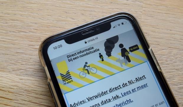 Direct informatie bij een noodsituatie ontvangen via NL-Alert op een mobiel.