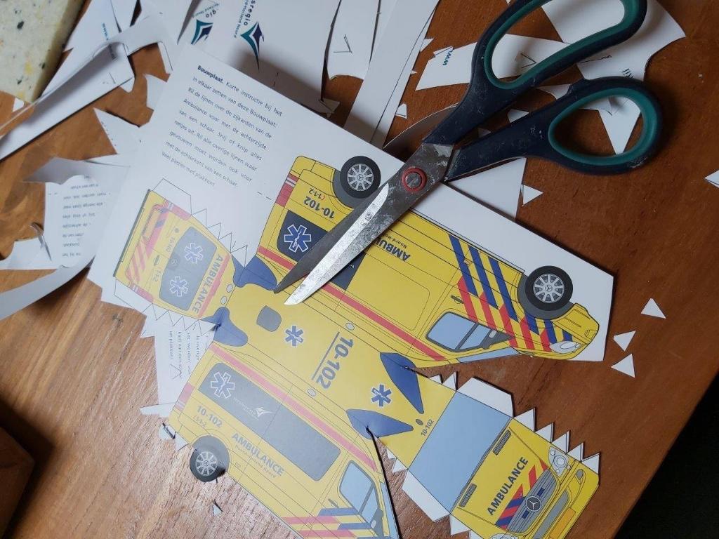 Bouwplaat van een ambulance (Foto: Vrijetijdsbesteding NH) © rodi