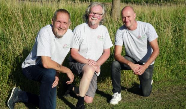 <p>Drie van de bedenkers van de grote Besselingen-re&uuml;nie. V.l.n.r.: Harry Custers, Piet Besseling en Gerry Besseling. (Foto: Theo Annes)</p>