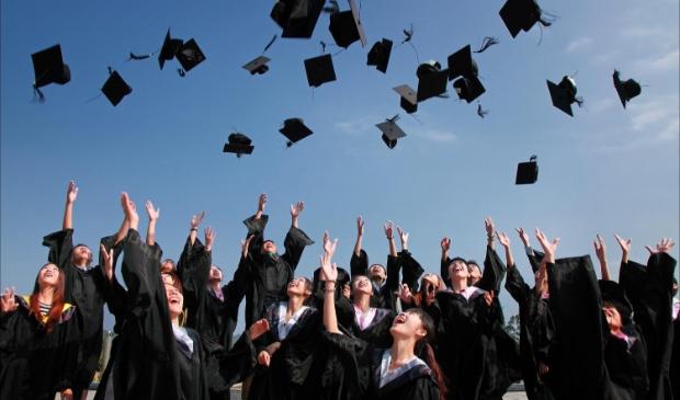 Originele diploma-uitreiking Martinuscollege Grootebroek