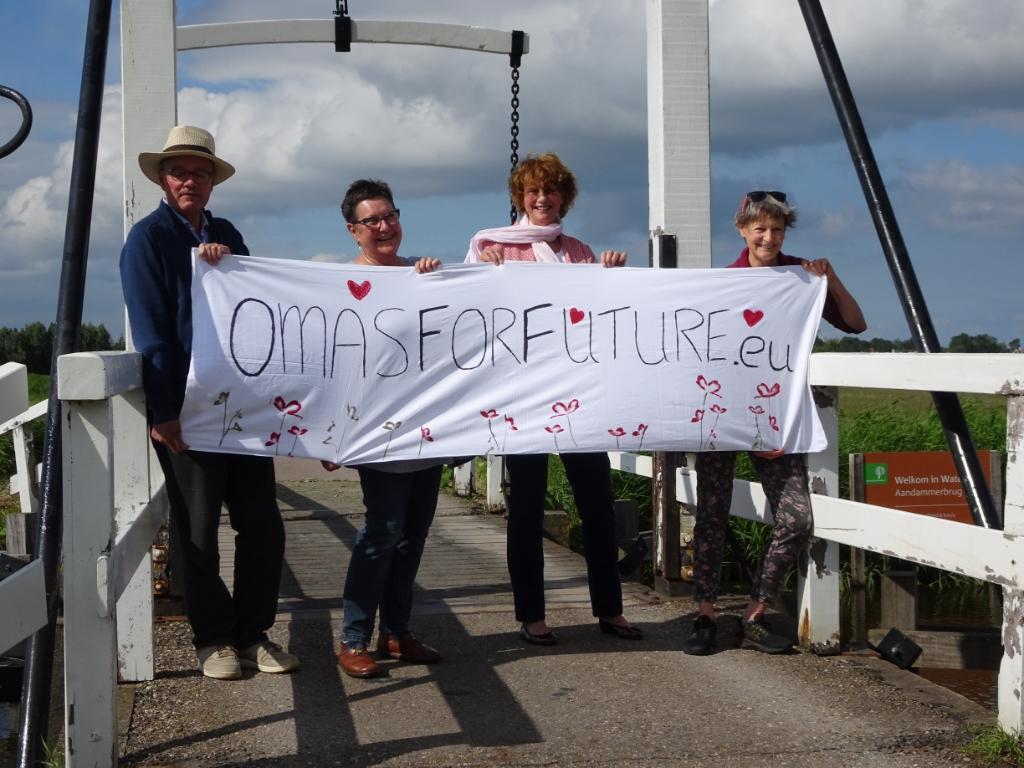 De lokale groep van Oma's for Future is net als eerste in Waterland opgericht.