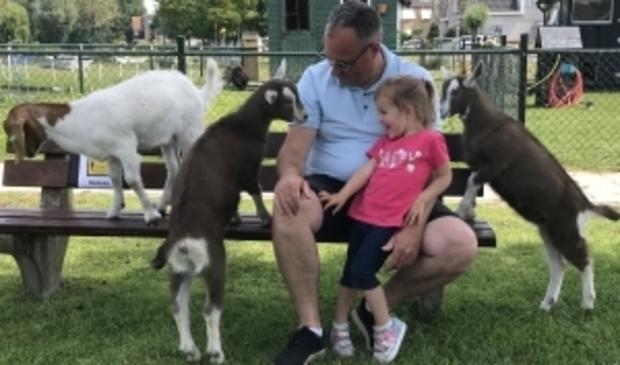 De bezoekers zijn blij dat ze weer bij de kinderboerderij terechtkunnen.