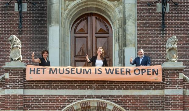 Eveline Tijmstra, Zita Pels en Moncef Beekhof heropenden officieel het museum
