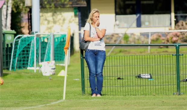 """Martine Meurs: """"het doel is om bovenin de vierde klasse mee te draaien met een nieuw jong team."""""""
