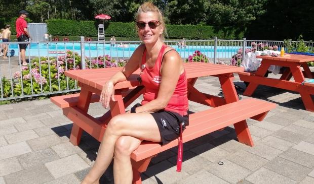<p>Anneke van Zanten coördineert de zwemzaken.</p>