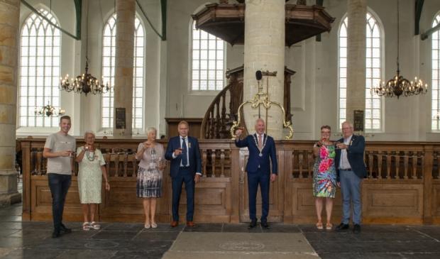 Welverdiende koninklijke onderscheidingenvoor Emmy Leeuwinga, Ton Dekker en Peter Kulk.