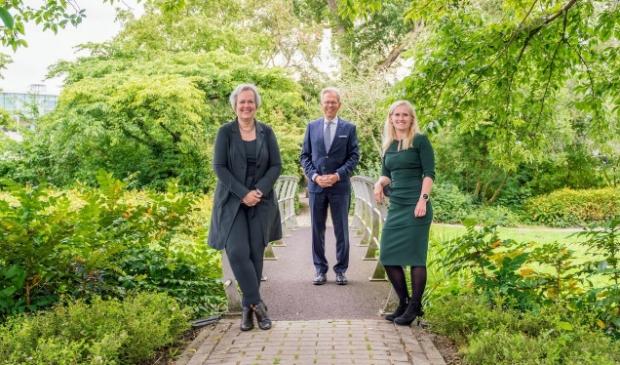V.l.n.r. burgemeester Karen Heerschop, burgemeester Don Bijl en gedeputeerde Ilse Zaal.
