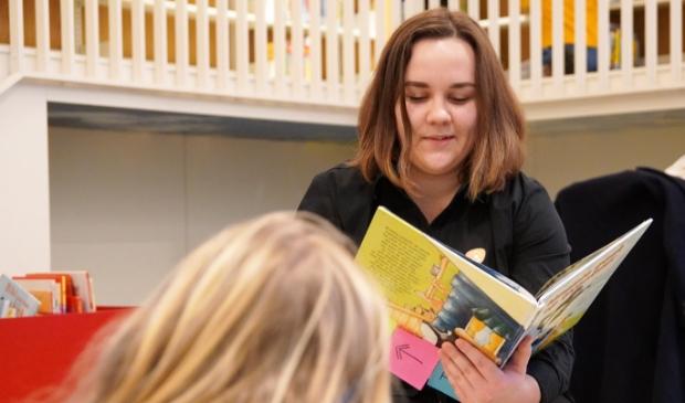 Voorlezen aan jonge kinderen is belangrijk.