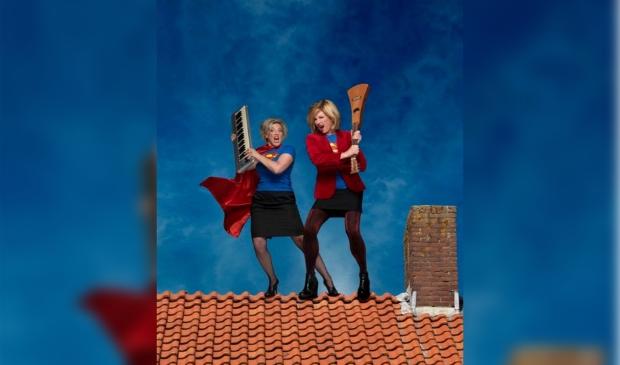 Cabaretières Mylou Frencken en Dorine Wiersma komen naar de Bullekerk met hun programma 'Waagstukken'.