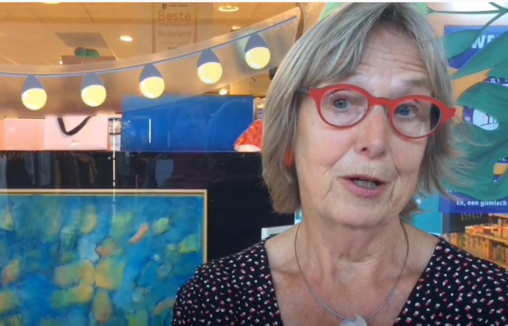 Kunstenares Margriet Schadee vertelt over haar werk. Videstill: CEK © rodi