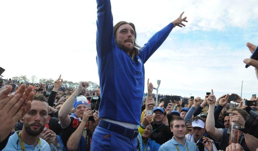 Tommy Fleetwood bejubelt de Europese winst op Le Golf National in 2018. De volgende editie laat nu drie jaar op zich wachten.