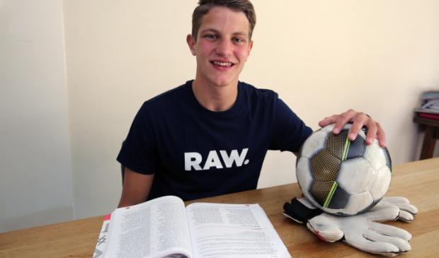<p>Grote verandering voor Bram Dekker uit Oudkarspel. Dinsdagochtend vertrok hij naar Oklahoma om daar te gaan studeren en sporten.</p>