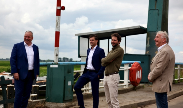 De verantwoordelijk wethouders: Wim Runderkamp & Hans Schutt (Edam-Volendam), Jelle Kaars (Waterland), Thijs Kroese (Purmerend).