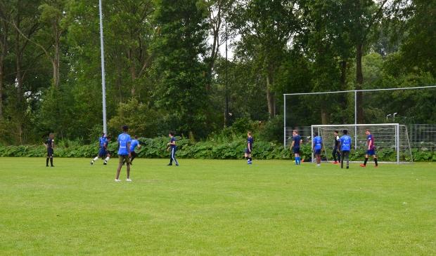 In het kader van het project 'Jeugd aan zet' werden bij WMC allerlei voetbalactiviteiten georganiseerd.