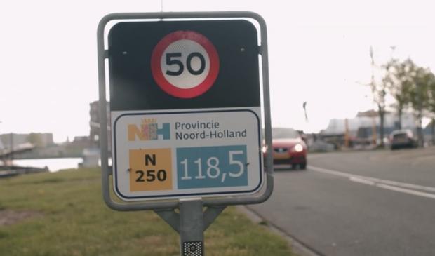 De komst van nieuwe verkeerslichten in Den Helder is onderdeel van de oplossingen om verkeersdruk op de weg beter te regelen.