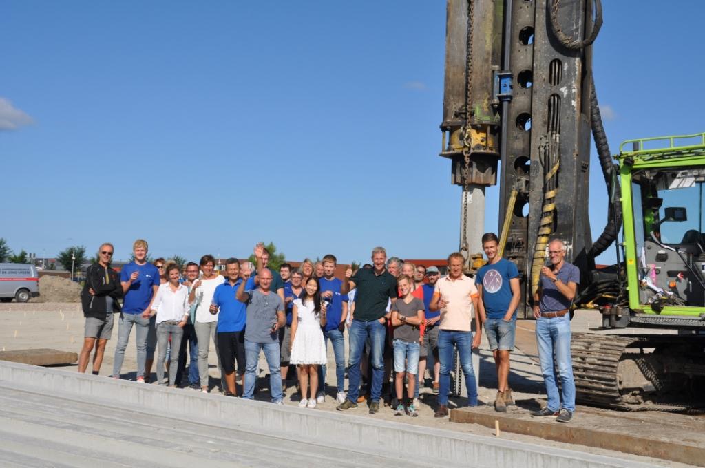 Het team van YongLi Europe. (Foto: Aangeleverd) © rodi