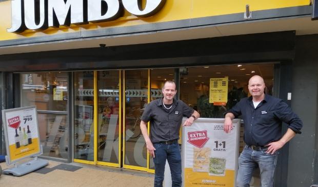 Bas (links) en Mark Bakker maken de Jumbo-vestiging nog leuker voor de klanten.