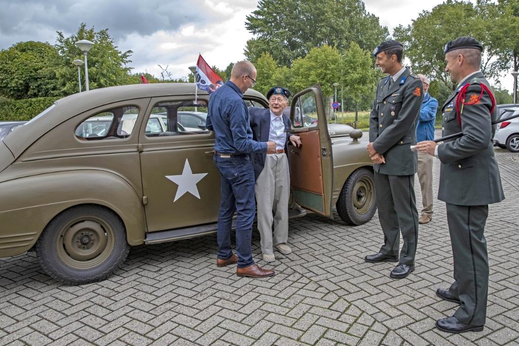 Klaas Appel viert honderdste verjaardag in stijl. (Foto: Heidie Mulder) © rodi