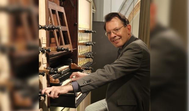 <p><strong>Organist Frank van Wijk (Foto: aangeleverd)</strong></p>
