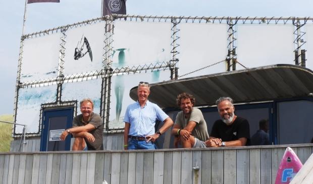 <p>Team Deining en Sport@Sea blij met de plannen voor komend najaar. V.l.n.r. Richard Groot van Deining, Bestuursleden S@S Wim Tromp, pieter Stoutenbeek en Mikel Mac Mootry.</p>