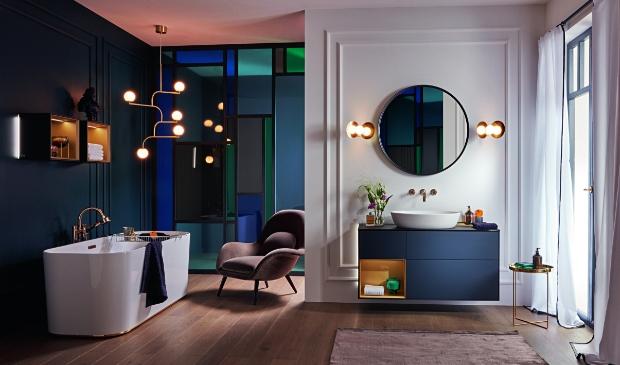 Trendsetter in badkamers kiest kleur.