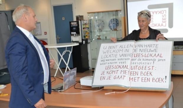 <p><strong>Tijdens een beperkt toegankelijke bijeenkomst is zaterdag 5 september Lees Lokaal officieel geopend door wethouder Cees Beentjes.</strong> </p>