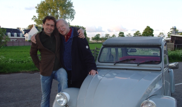 <p>Gerard Alderliefste op avontuur met Ramses Shaffy.&nbsp;</p>