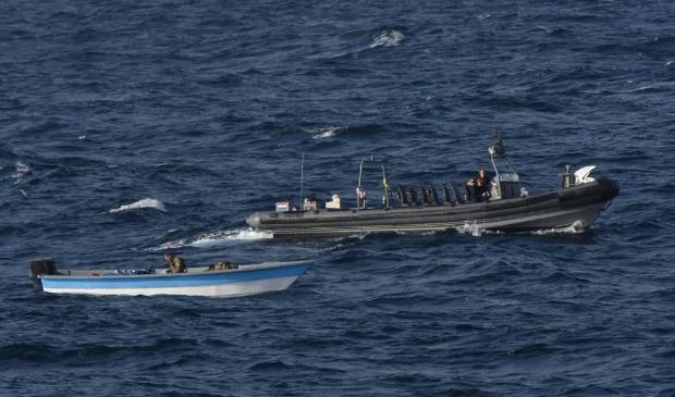 <p>In de Caribische Zee wist het patrouilleschip afgelopen vrijdag een zogenaamde go-fast tot stoppen te dwingen. </p>